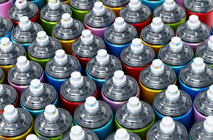 how many spray cans to paint a car