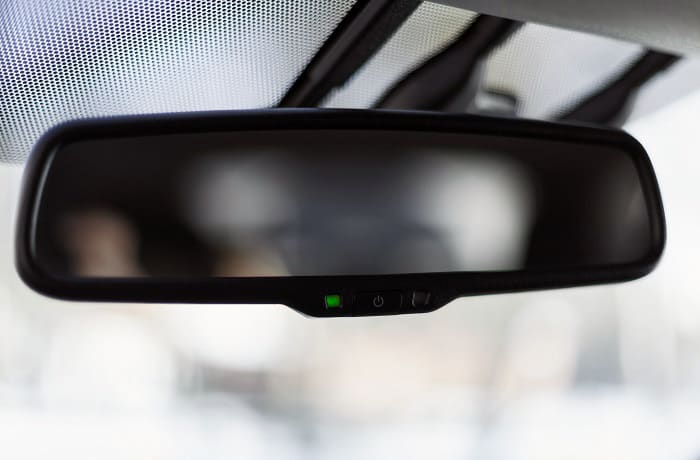 are auto dimming mirrors worth it